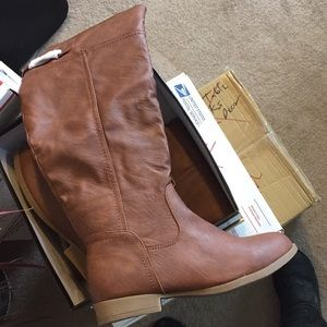 NWT Cognac Riding Boots